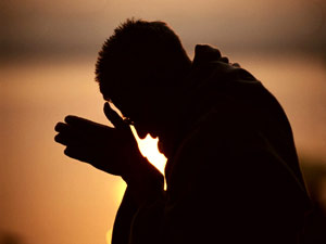 bowed-head-prayer
